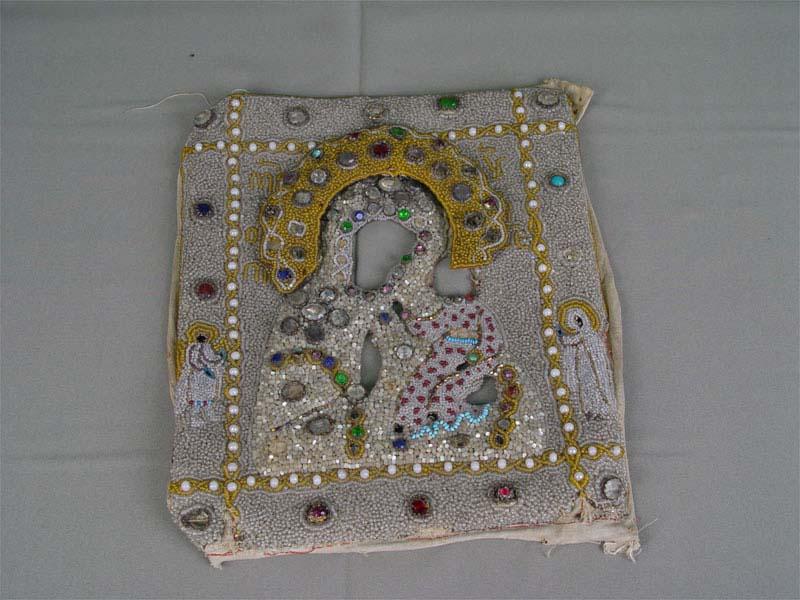 Оклад дляиконы, холст, шитье бисером, перламутром, стразами (есть утраты). Россия, XIXвек, размер: 30×25см