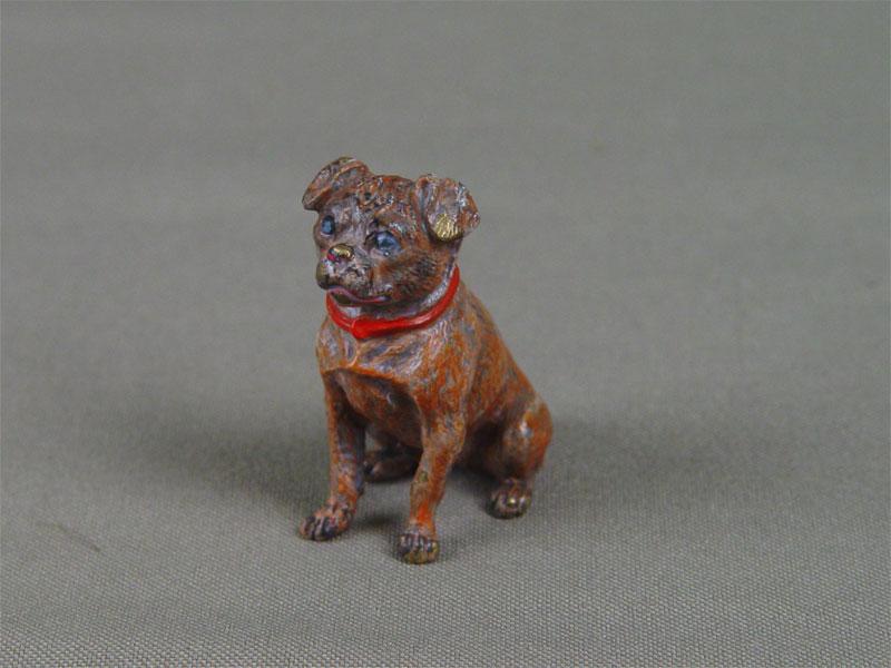 Фигура «Собака», бронза, литье, чеканка, покраска. Западная Европа (Вена?), конец XIX— начало XXвека, высота— 4см
