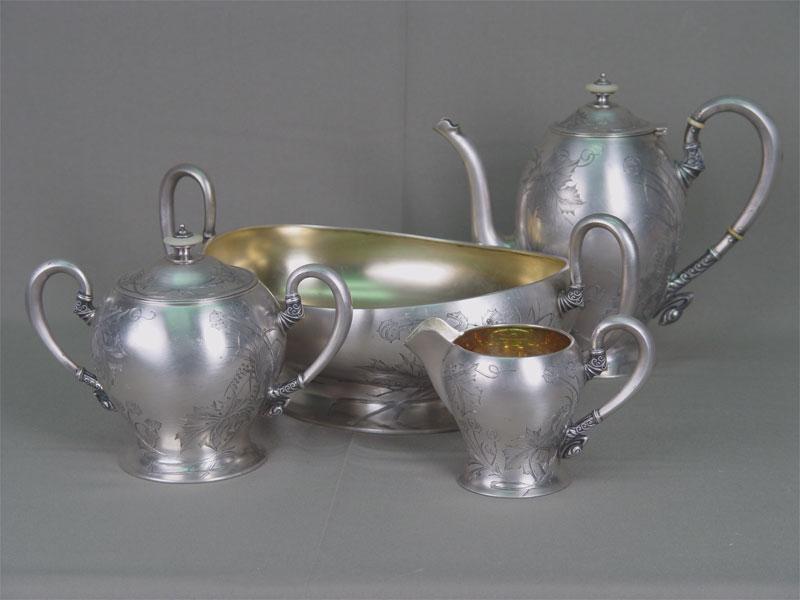 Антиквариат. антикварный чайный комплект, чайник, сахарница, молочник, конфетница, серебро, золочение, гравировка, вставка, вставки, перламутр, перламутровый, россия, 20 век, сервиз, стиль, модерн, посуда