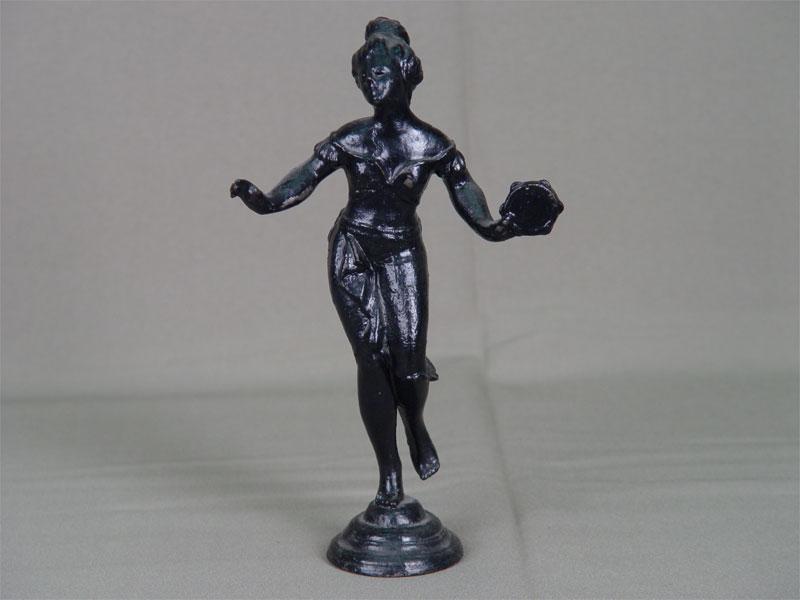 Скульптура «Танцовщица», чугун, литье, покраска, марки нет, начало XXвека, высота— 21см