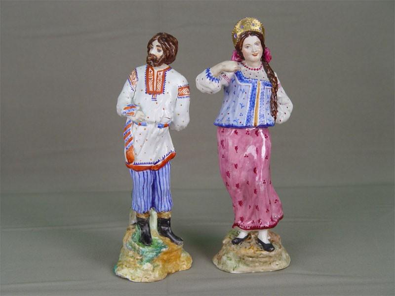 Антиквариат. Парные фигуры в русских костюмах