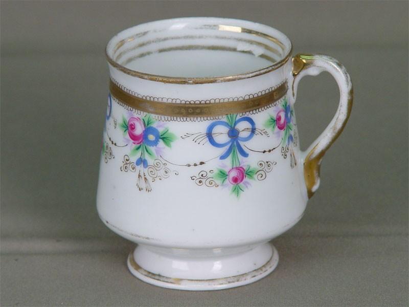 Чашка чайная, фарфор, роспись надглазурная. Ф-ка Ф.М.Куринова, втор.пол.XIXв.