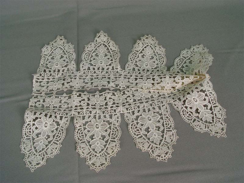 Кружево мерное, хб машинное плетение. Западная Европа, начало XXвека, ширина13см, длина— 60см