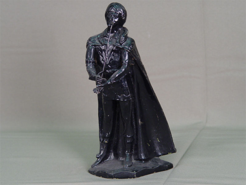 Скульптура «Музыкант», чугун, литье, покраска. Россия, вторая половина XXвека, высота— 25,5см