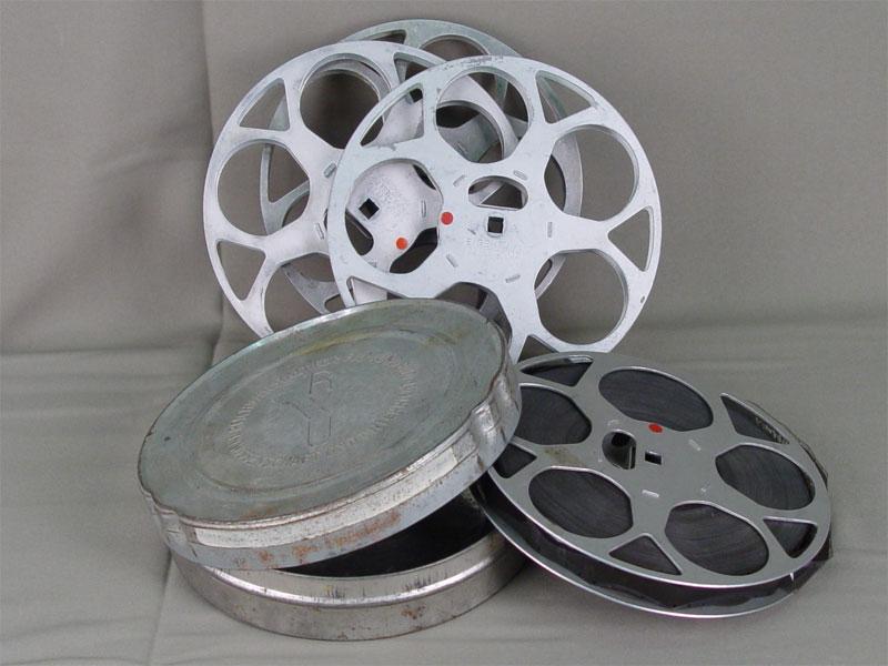 Кинопроектор Agfa вкожаном кофре, катушка сфильмом. Германия, 1940-е гг, 17×21,5×29см