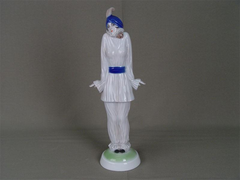 Скульптура в стиле ар-деко «Пьеро», фарфор, роспись подглазурная. Германия, Розенталь, 1920—1930-е гг, авт. Dorothea Charol (1889—1963), высота— 30см