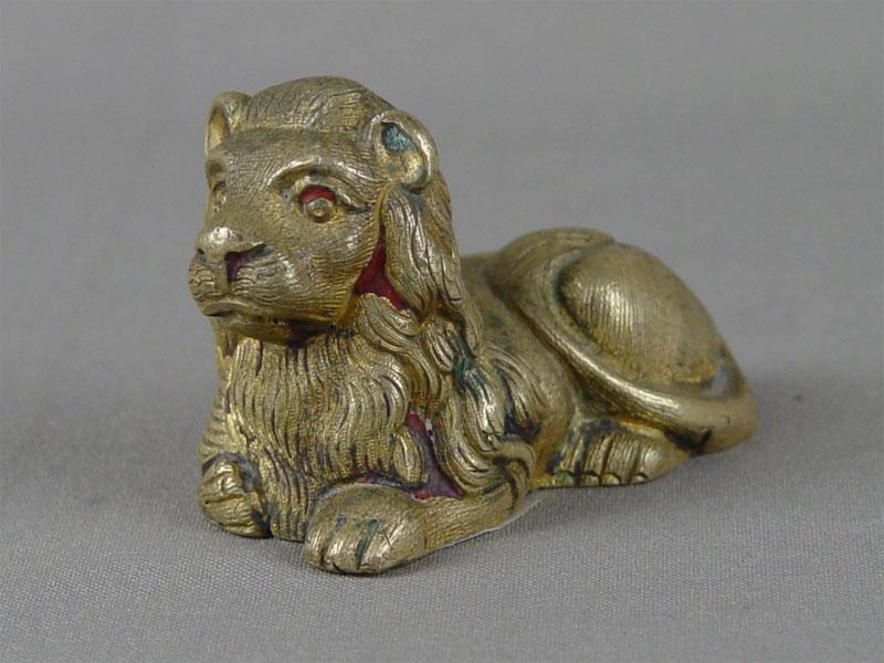 «Лежащий лев», бронза, литье, чеканка. Западная Европа, конец XIX— начало XXвека, высота— 5см