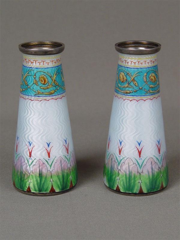 Антиквариат. антикварные вазы, ваза, вазочка, две, пара, серебро, эмаль, гильошированный фон, Европа, Запад, 19 век, 20 век, посуда
