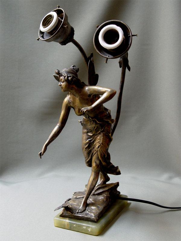 Лампа настольная, бронза, оникс. Западная Европа, конец XIX— начало XXвека, высота— 40см