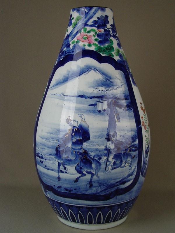 Ваза дляцветов, фарфор, роспись надглазурная. Япония, начало XXвека, высота— 47см