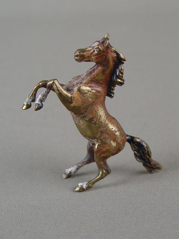 «Конь», бронза, литье, роспись красками, высота— 6,2см