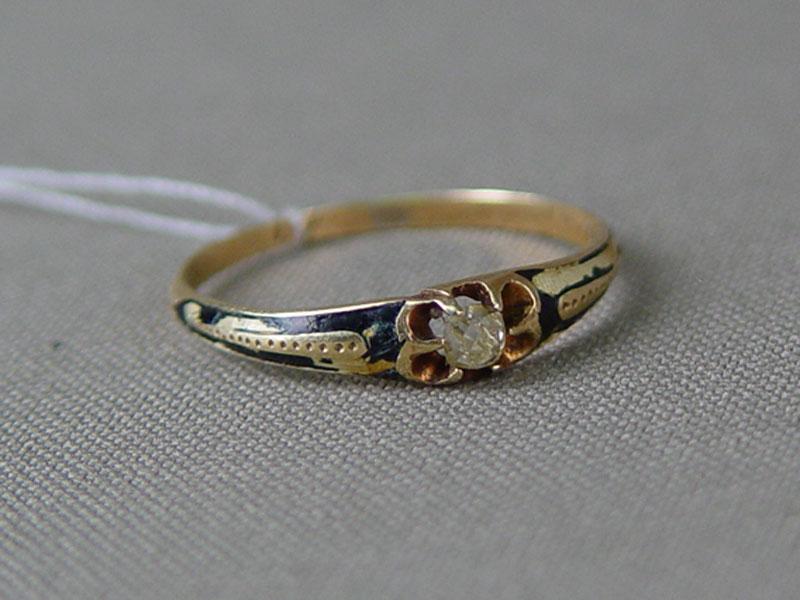 Кольцо, золото 56пробы, общий вес— 1,4г. Вставка: 1бриллиант («Старой» огранки— 0,14ct 5/4), размер кольца 18,5