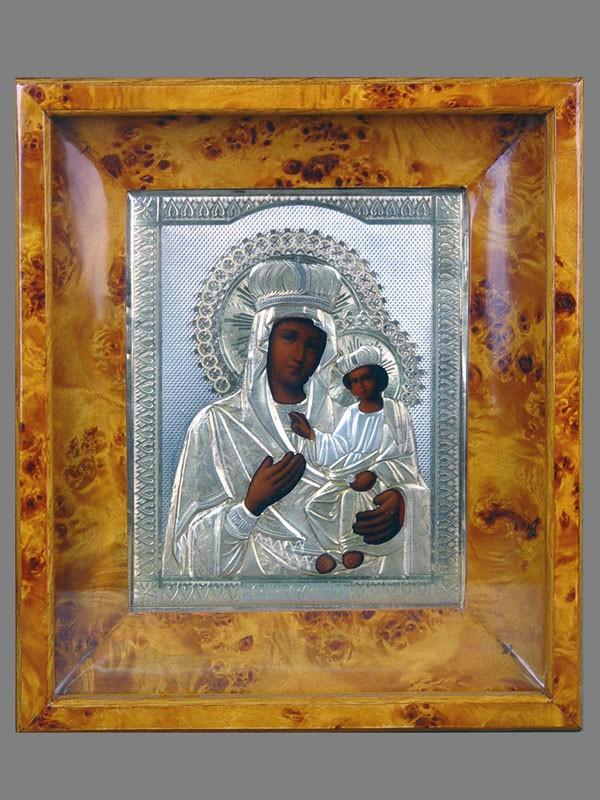 Икона вкиоте «Пресвятая Богородица Черниговская», оклад— серебро 84пробы, XIXвек, размер иконы: 22×18см