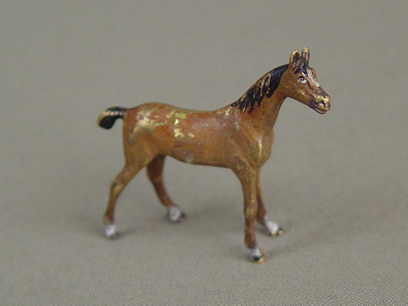 «Лошадь», бронза, литье, роспись красками, высота— 3см