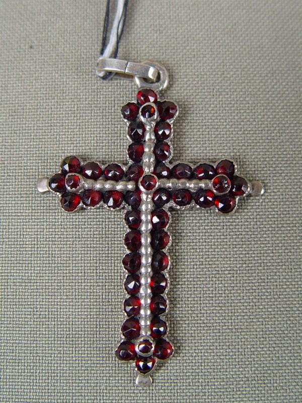 Подвеска «Крест», металл, гранаты, 4,5×3см
