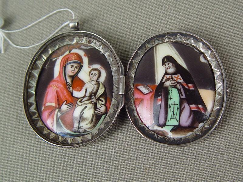 Медальон «Святой Митрофан», серебро 84пробы, финифть; общий вес— 13г, XIXвек, размер: 4×3см