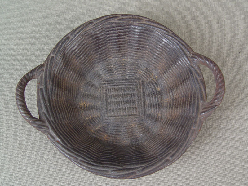 Антиквариат. Вазочка «Плетеная корзинка», чугун, литье, покраска