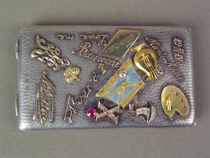 Антиквариат. антикварный портсигар, серебро, накладки, значок, значки, подарок, подарочный, боря, мари, энне, анна, marie-anne, ты моя, двести тысяч, 200 тысяч