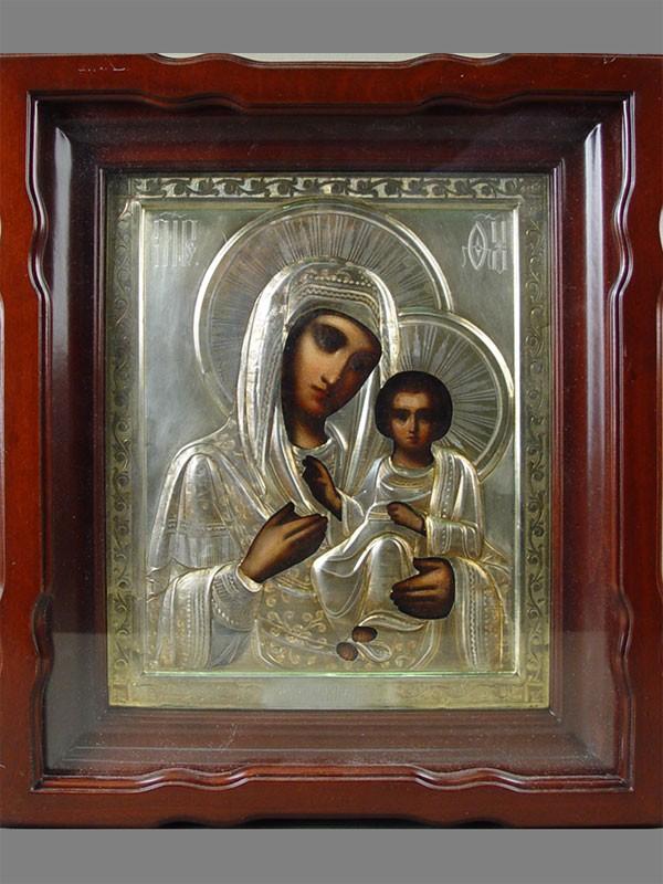 Венчальная пара вкиотах «Господь Вседержитель» и«Пресвятая Богородица Смоленская»; оклад: серебро 84пробы, гравировка, золочение; размер каждой иконы: 27×22,5см