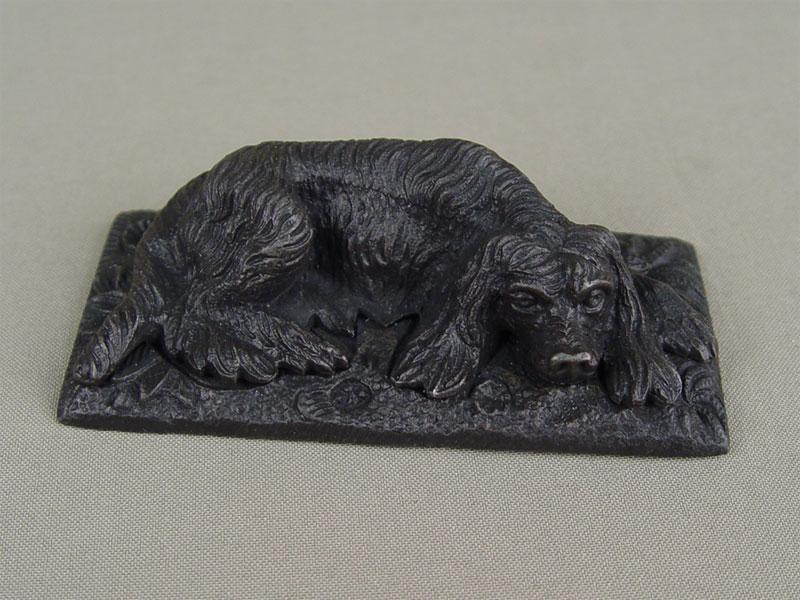 Антиквариат. Пресс для бумаг «Лежащая собака», чугун, литье, покраска