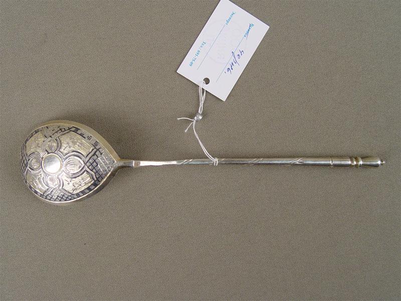 Ложка длякомпота, серебро 84пробы, чернь, позолота, общий вес— 29,9г