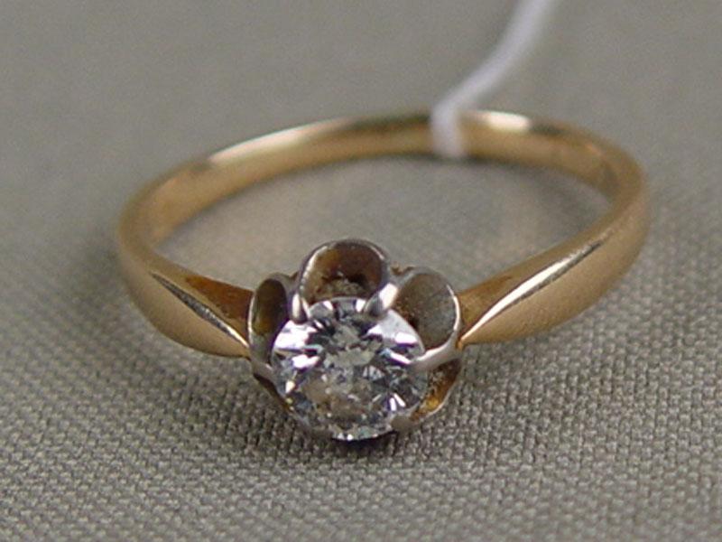Кольцо, золото 583пробы, общий вес— 2,8г. Вставка: 1бриллиант («Старой» огранки— 0,54ct 7/7), размер кольца 18,25