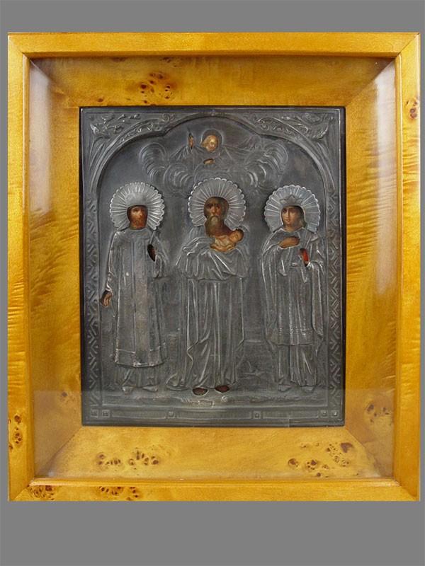 Икона «Святой Царь Константин, Святой Симеон Богоприимец, Святая Александра», оклад— серебро 84пробы, XIXв., 27×22см; киот