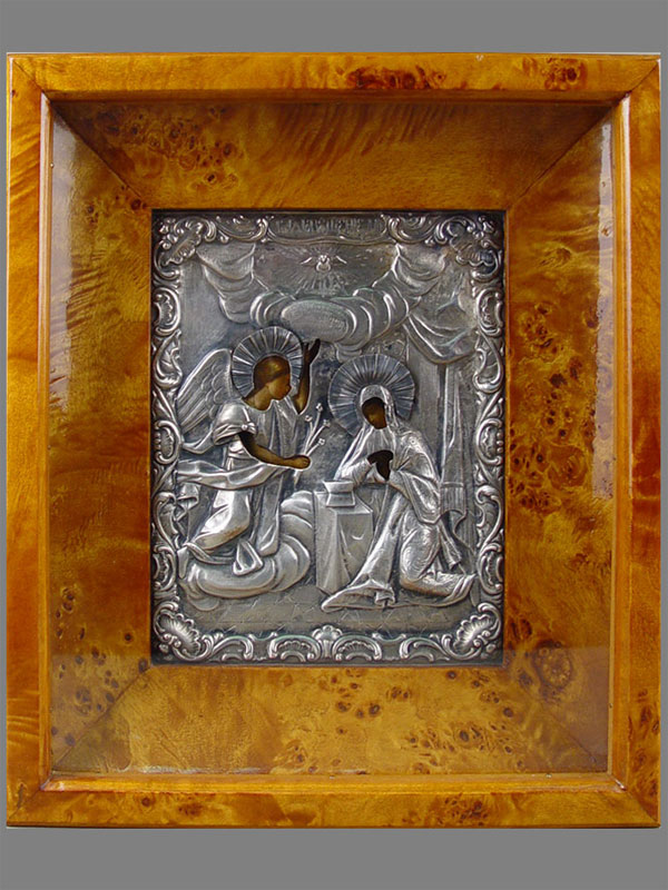 Икона вкиоте «Благовещение Пресвятой Богородицы», дерево, масло; оклад— серебро 84пробы; размер иконы: 18×13см