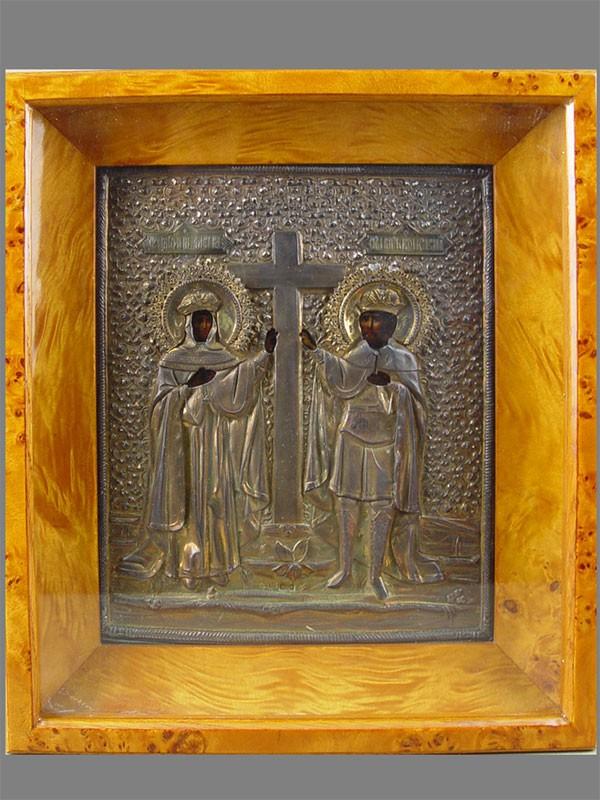 Икона вкиоте «Святой Константин иСвятая Елена», дерево, масло, оклад— серебро 84пробы, XIXвек, размер иконы: 27×22см