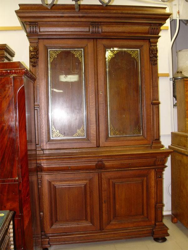 Шкаф книжный, библиотечный встиле неоренессанс, дуб, Россия, конец XIXвека, размер: 230×140×61см. <i></noscript>Отреставрирован</i>
