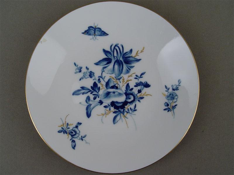 Антиквариат. Тарелка закусочная, фарфор, роспись, позолота. Германия, Мейсен