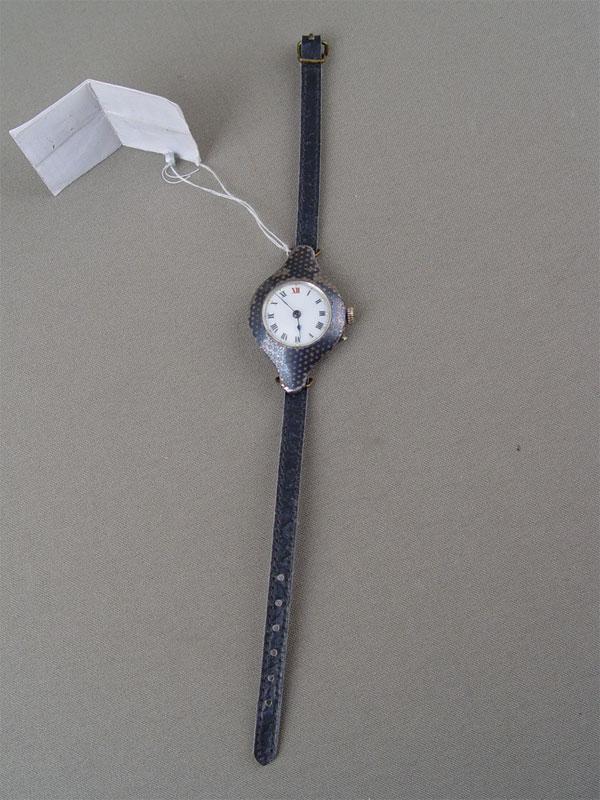 Часы наручные, серебро пореактиву, чернь, начало XXвека