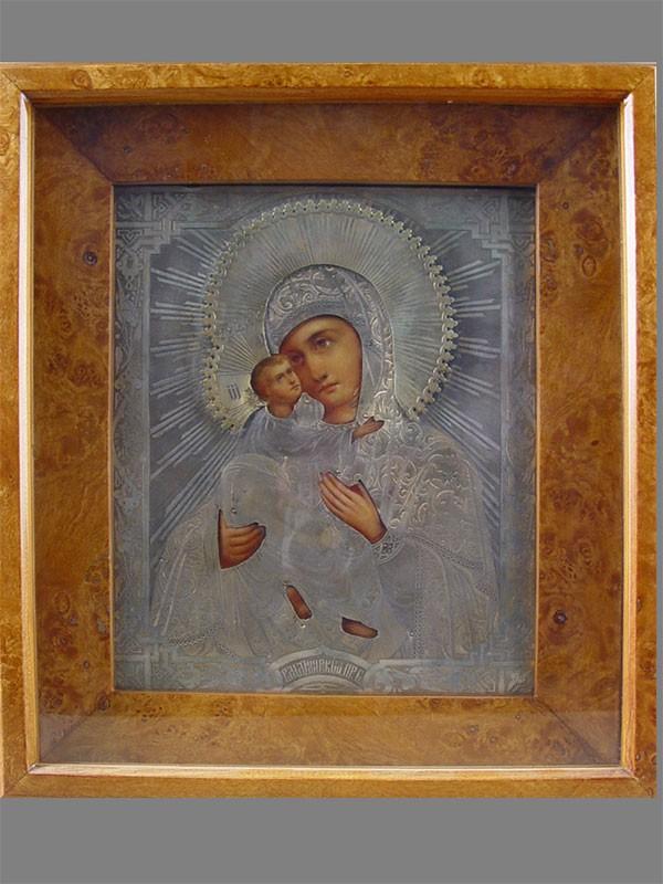 Икона вкиоте «Пресвятая Богородица Владимирская», дерево, темпера. XIXвек, оклад— серебро 84пробы, размер иконы: 27×22см
