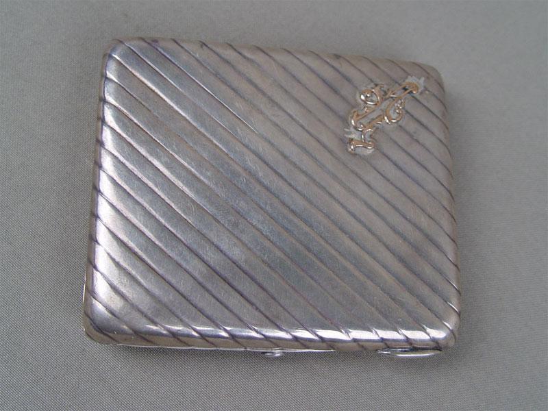 Портсигар, серебро 84пробы, общий вес— 129г, 9×7,5см