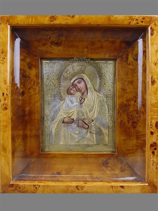 «Пресвятая Богородица Почаевская», дерево, масло, оклад— серебро 84пробы, позолота, конец XIXвека, 18×13см; киот