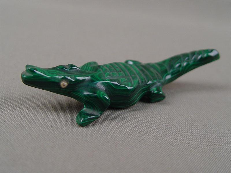 «Крокодил», малахит, резьба, длина— 9,5см (склейка)