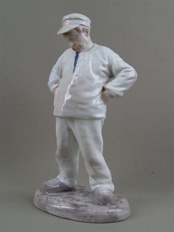 Скульптура «Крестьянин», фарфор, роспись подглазурная. Дания, Copenhagen, B&G, высота— 29см