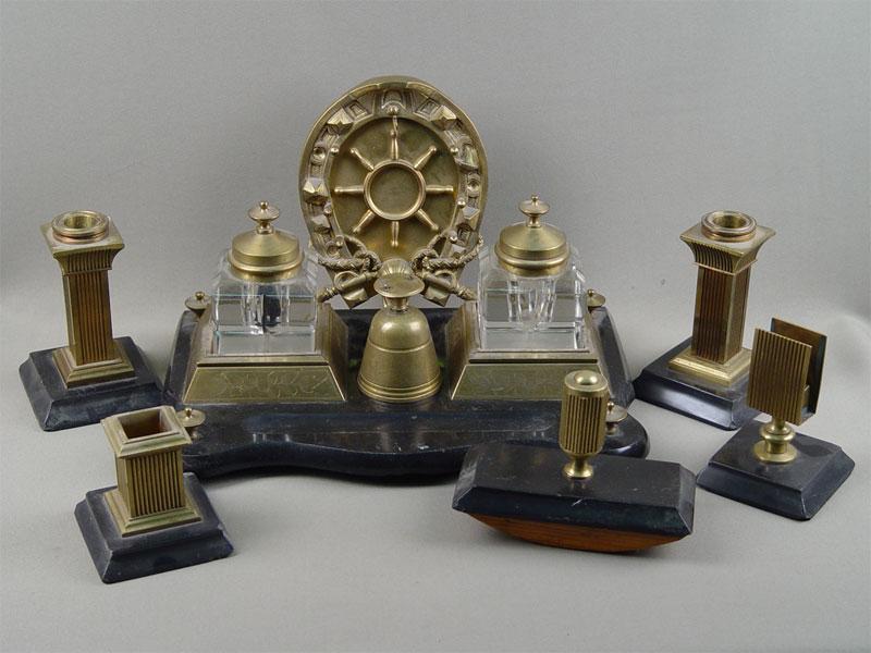 Письменный прибор «Подкова», 8предметов, бронза, стекло, камень, начало XXвека
