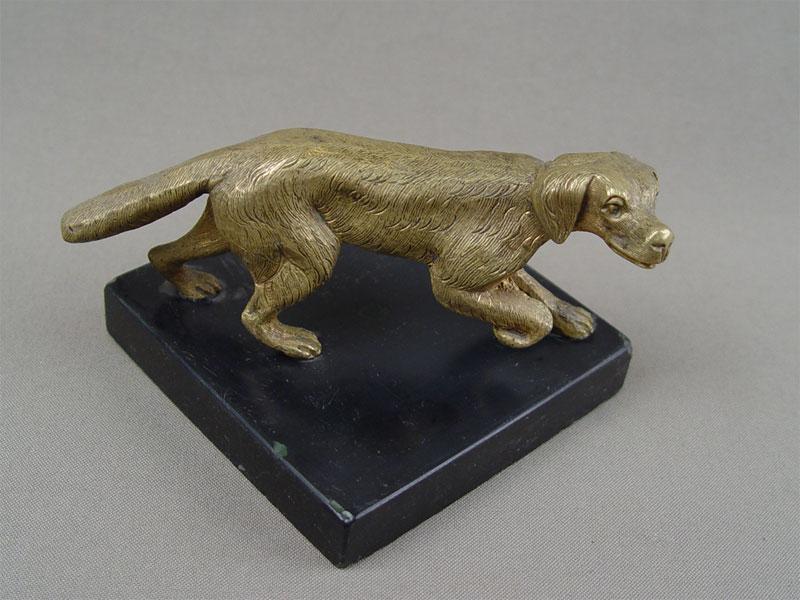 «Собака охотничья», бронза, подставка камень, длина— 13см