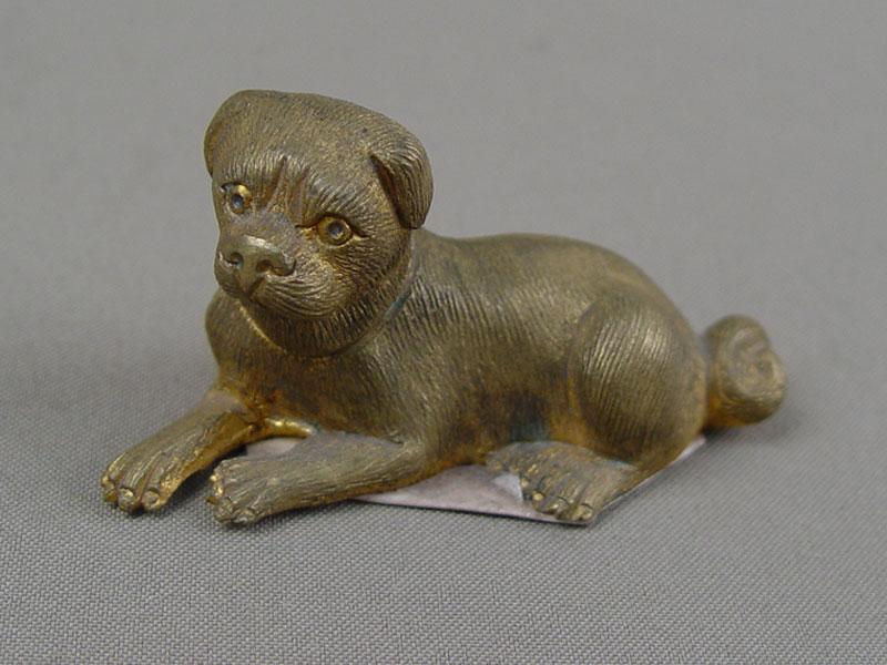 «Собака», бронза, длина— 7,5см