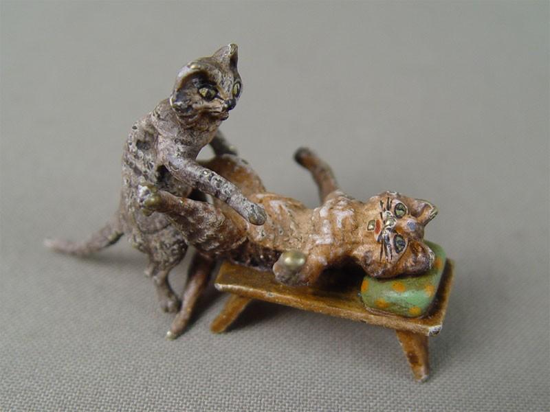 Скульптура «Кот икошка», «венская» бронза, Бергман, XIXвек, длина— 6см