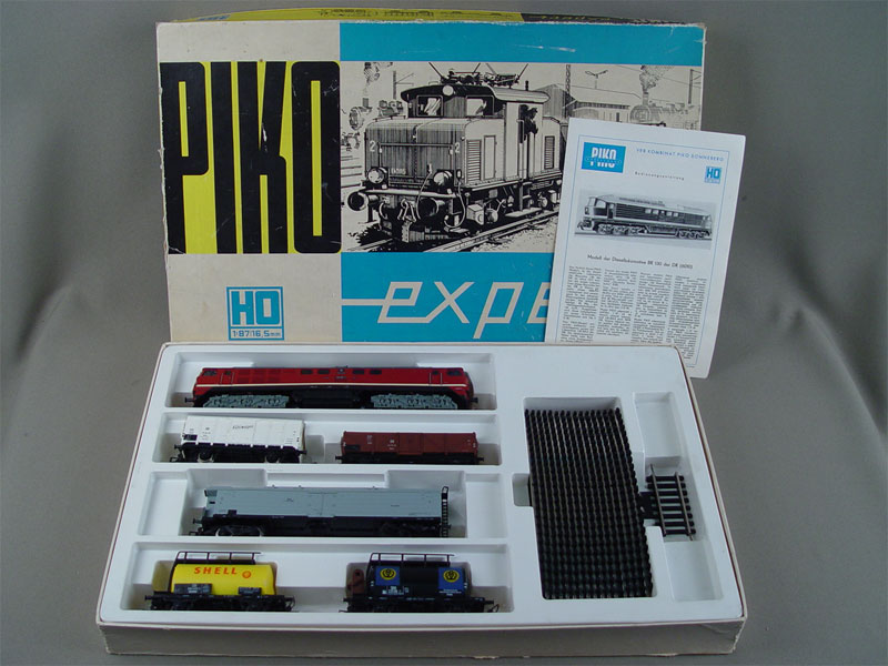 Антиквариат. железная дорога в коробке «Pico»