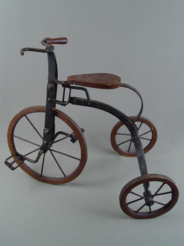 Антиквариат. Кукольный велосипед, металл, дерево