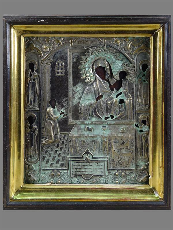 «Пресвятая Богородица Нечаянная Радость», дерево, левкас, темпера, оклад латунь, XIXв., 30×25см; киот (требует реставрации)