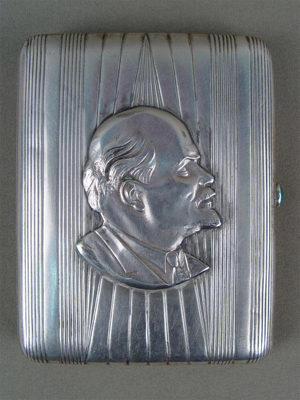 Портсигар «Ленин», серебро 875пробы, позолота внутри, общий вес— 192г
