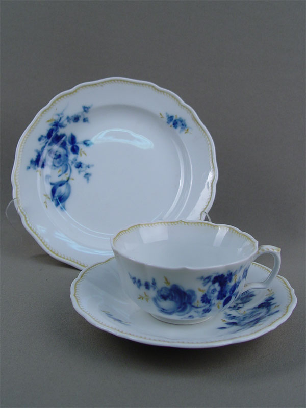 Чайный комплект «Синие цветы» (чайная пара итарелка), фарфор, роспись. Германия, Мейсен, 1950-е гг.