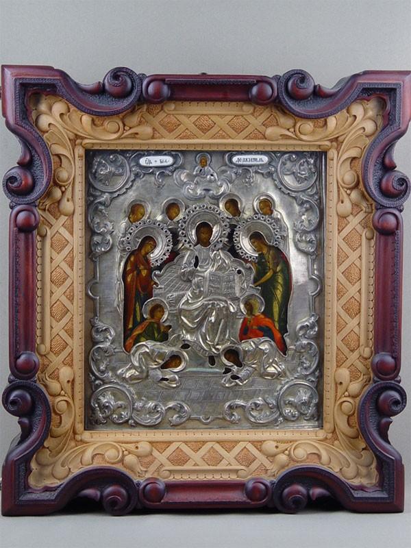 Икона вкиоте «Господь Вседержитель натроне спредстоящими», дерево, левкас, темпера; оклад— серебро 84пробы, финифть; XIXвек, размер иконы: 31×27см