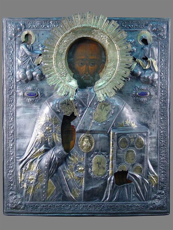 Икона «Святой Николай Чудотворец», дерево, левкас, темпера, размер: 72×61см, XVIIIвек. Оклад— серебро 84пробы, финифть, золочение, начало XIXвека