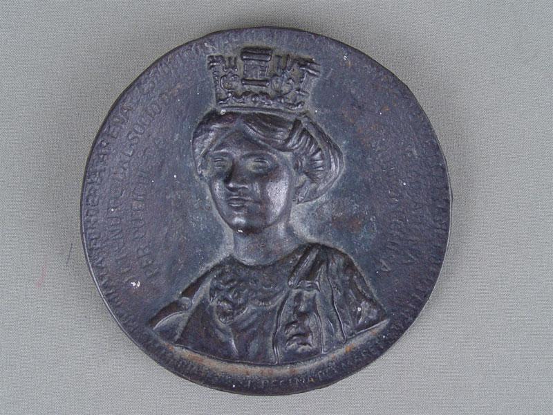Антиквариат. Плакетка «Королева», чугун, литье