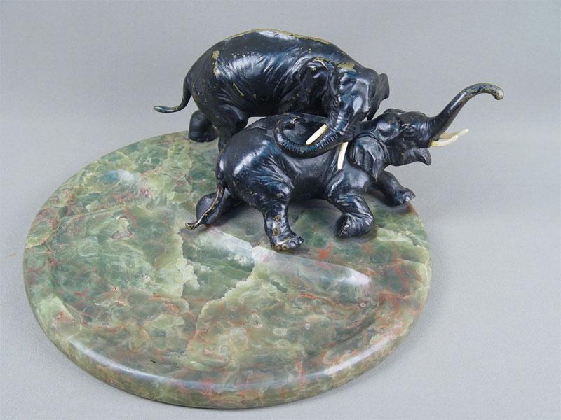 Антиквариат. Визитница «Слоны. слон», бронза, оникс